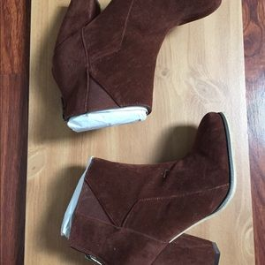 Michael Antonio Suede Brown Ankle Boots Size 6